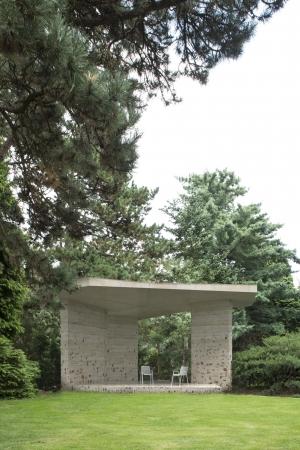 Een paviljoen voor het Pinetum
